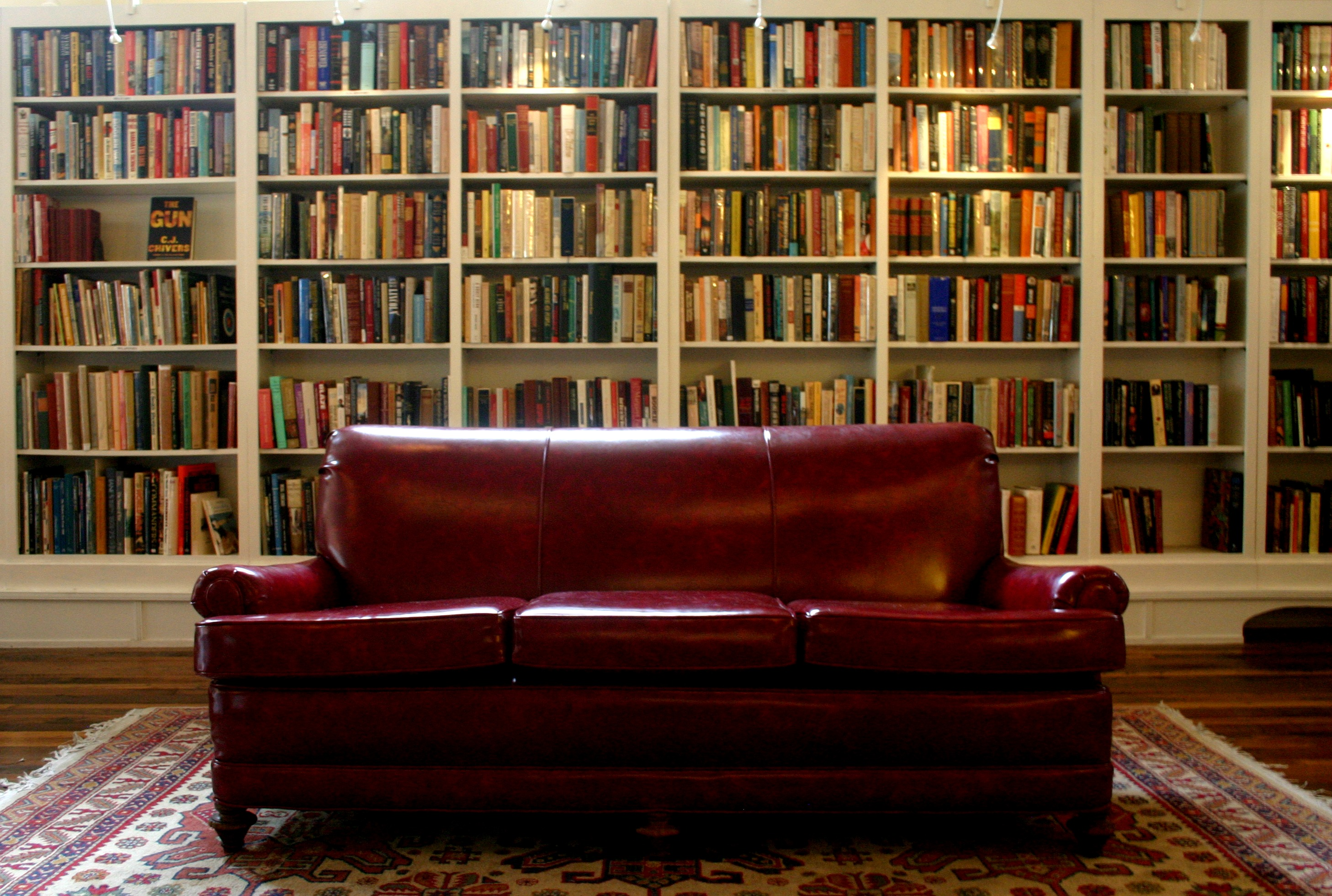 4 (and a half) Places to Shop for a Book Lover in Staunton