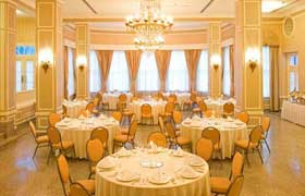 Full service meeting hotels